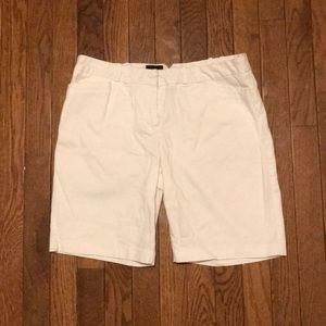 Limited White Shorts Size 6 Cassidy Must Bundle